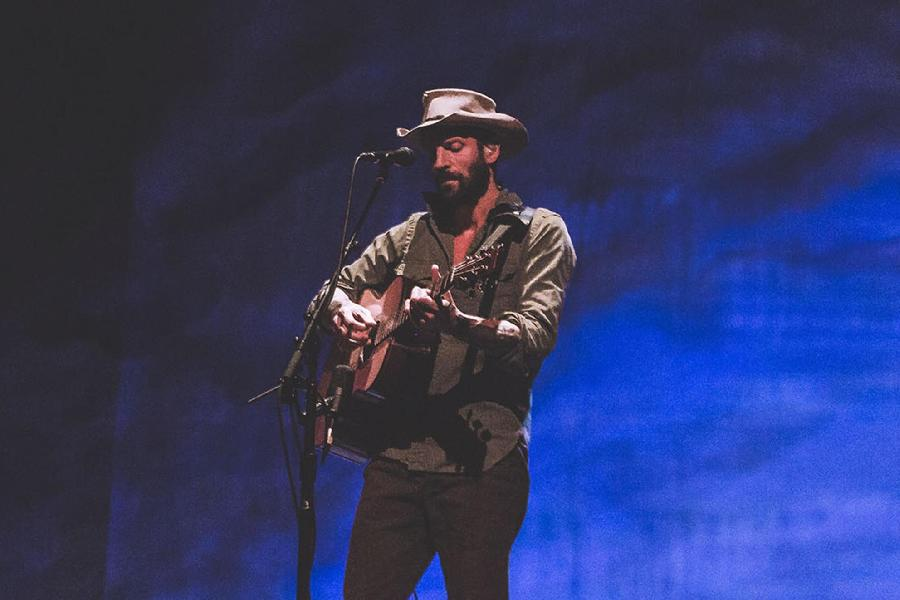 Ray Lamontagne's 'Monovision' Provides A Soothing Escape From Everyday Life
