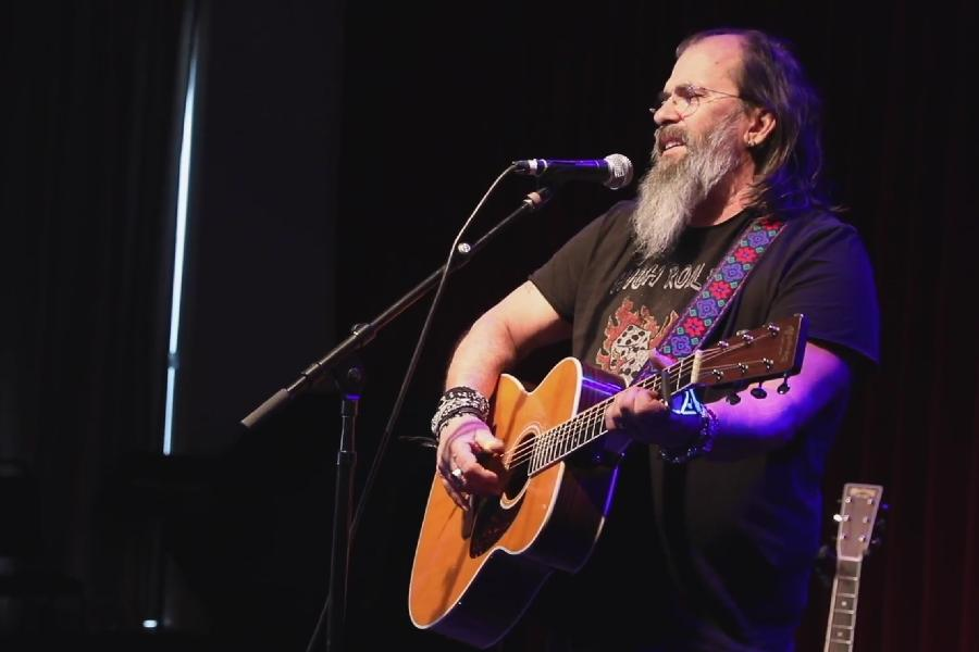 Steve Earle Pays Tribute To Guy Clark, His Songwriting Hero